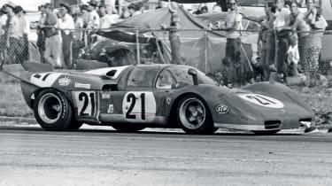 Ferrari 512S vs Porsche 917