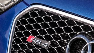 Audi RS4 Avant grille