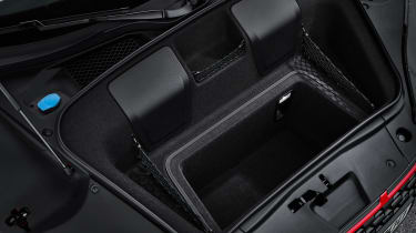 Audi R8 V10 Performance RWD – Spyder boot