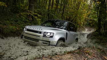 Land Rover Defender 90 P300 – offroad