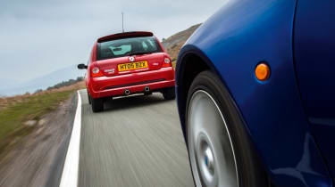 Renault Clio 182 Trophy vs Ford Racing Puma