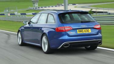 Audi RS4 Avant blue