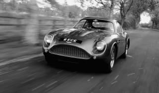 Aston Martin DB4 Zagato repro - front