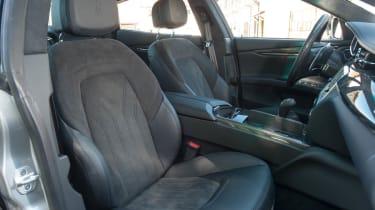 2013 Maserati Quattroporte S V6 front seats