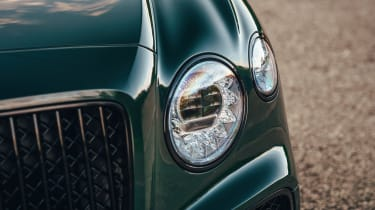 Bentley Flying Spur V8 lights