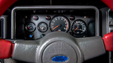 Ford RS200 - dials
