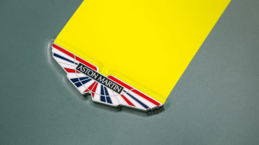 Aston Martin AMR Vantage - enamel badge