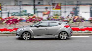 2012 Hyundai Veloster Turbo side profile