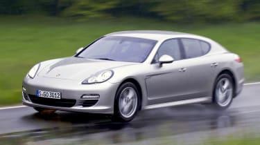 Porsche Panamera V6 panning