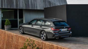 BMW 3-series Touring 2019 - rear quarter