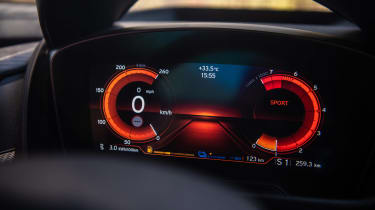 BMW i8 Roadster sport mode