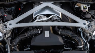 Aston Martin DB11 V8 - engine