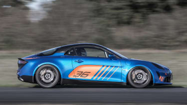 Alpine A110 Cup – side