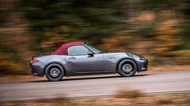 Mazda MX-5 Z-Sport – tracking - side