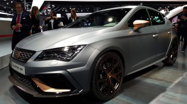 SEAT Leon Cupra R revealed at Frankfurt Motor Show side