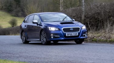 Subaru Levorg action