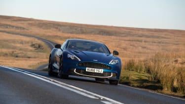 Aston Martin Vanquish S - front tracking