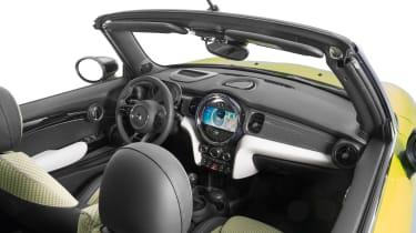 Mini Cooper Cab 2021 - cabin