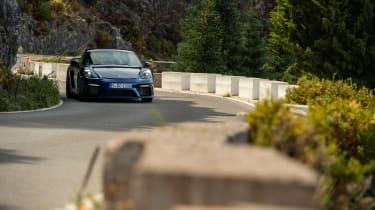 Porsche 718 Cayman GT4 road