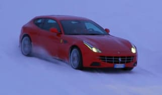 Video: Ferrari FF on ice