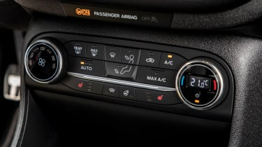Ford Fiesta Active – climate controls