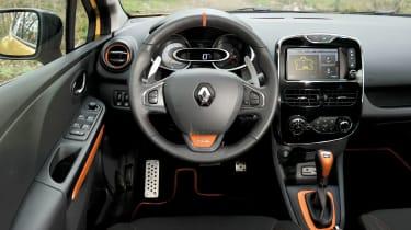 Renault Clio 200 Turbo interior