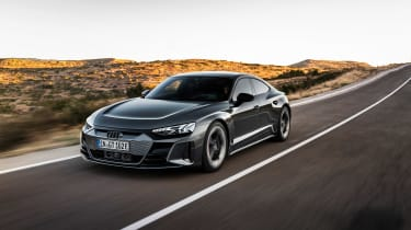 Audi RS e-tron GT - front tracking