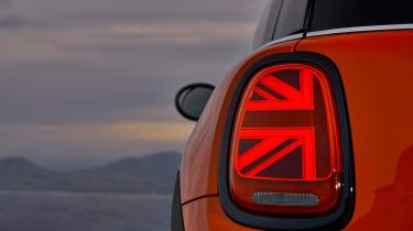 2018 Mini Cooper S hatch - light