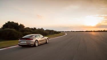 Porsche Panamera Turbo S E-Hybrid ride - rear tracking