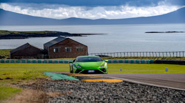 Lamborghini Huracán Evo RWD – track