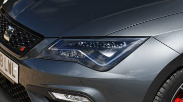 SEAT Leon Cupra ST Carbon Edition - lights