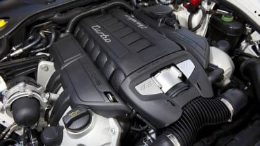 Porsche Panamera engine