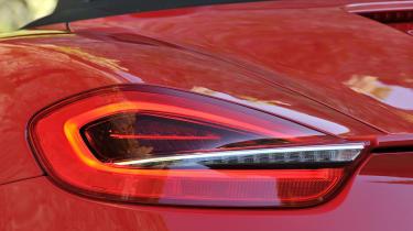Porsche Boxster vs Lotus Elise S