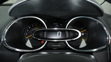 2013 Renault Clio dials speedo