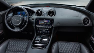 Jaguar XJR575 interior