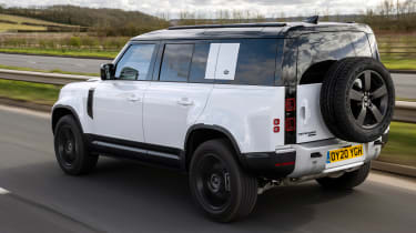 Land Rover Defender 110 P400 – rear tracking