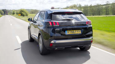 Peugeot 3008 GT rear tracking