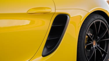 Porsche 718 Boxster GTS – side intake