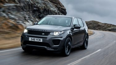 Discovery Sport 2017 - front driving