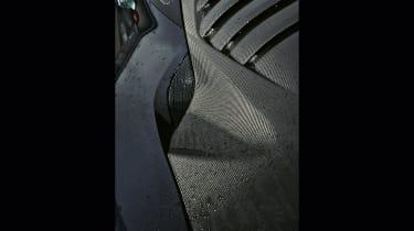 Nissan GT-R vs Lotus Evora Sport 410 -