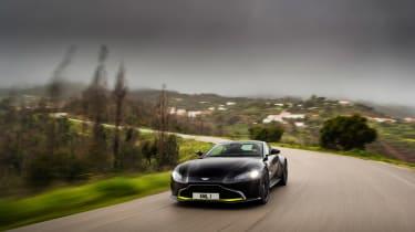 Aston Martin Vantage - black tracking