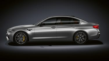 BMW M5 Competition - profile