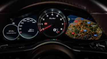 Porsche Panamera Sport Turismo - instruments