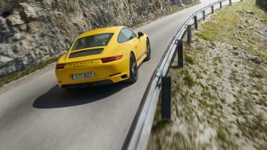 Porsche 911 Carrera T - rear driving