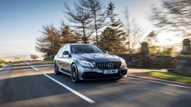 Mercedes-AMG C63 S Estate 2021 – front tracking2