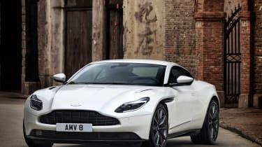 Aston Martin DB11 V8 - static front 3.4