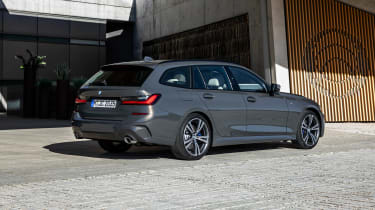 BMW 3-series Touring 2019 - rear