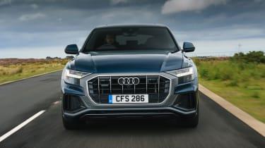 Audi Q8 S-line – front
