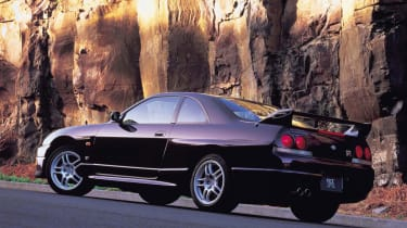 Nissan Skyline GT-R R33 - rear quarter