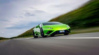 Lamborghini Huracán Evo RWD – tracking low